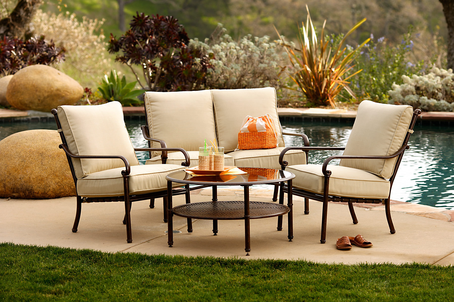 Looking For An Affordable Outdoor Sofa – Furniture
