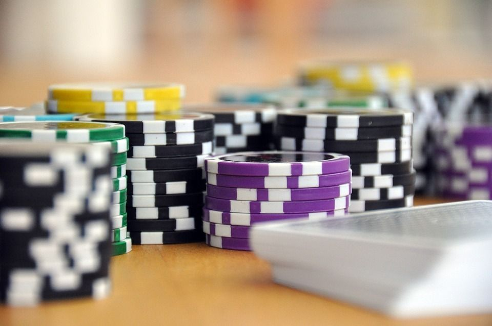 Crucial Strategies For Casino Betting Online